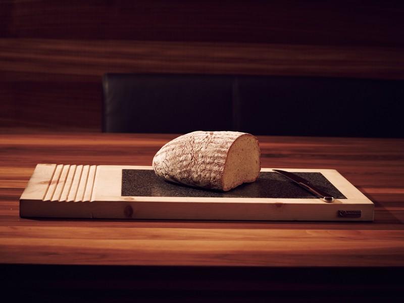 Zirbenholz hat antibakterielle Eigenschaften. Wie geschaffen für die Küche.