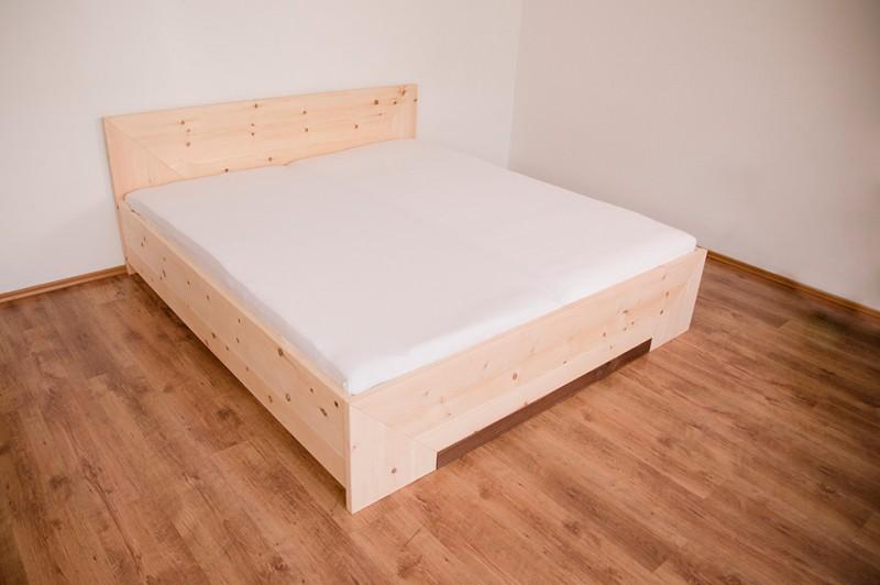 das zirbenbett und die schlaflosigkeit. Black Bedroom Furniture Sets. Home Design Ideas