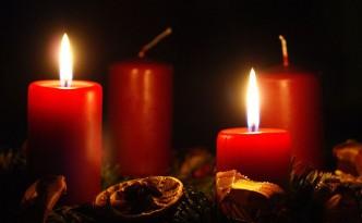 Advent - die Sehnsucht nach dem, was uns wirklich wichtig ist. Und das ist mehr als oberflächlicher Kerzenglanz. 4betterdays.com bietet echte Qualität.