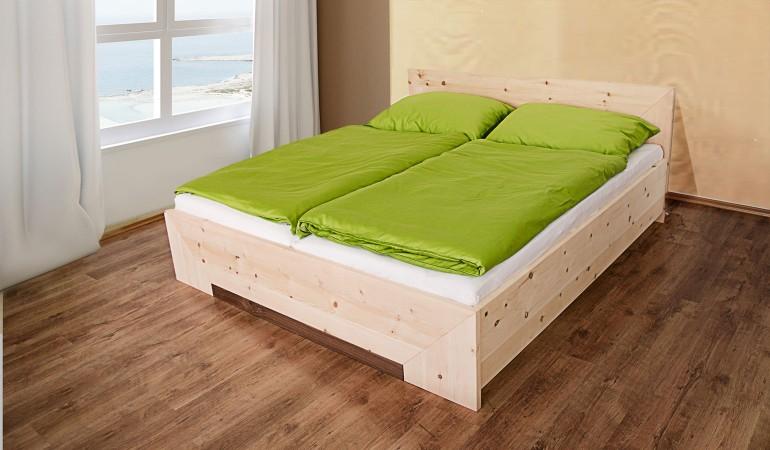 fichten und zirbenholz wirkt vor allem auch zuhause. Black Bedroom Furniture Sets. Home Design Ideas