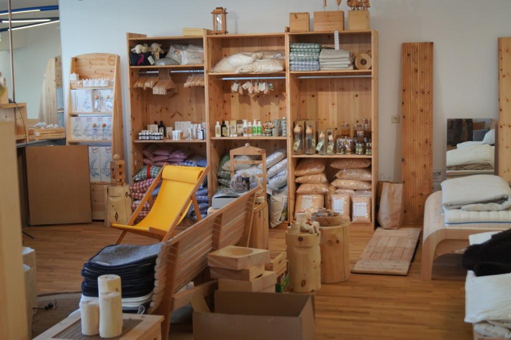 Ganz schön viel Platz für Zirbenholz, Zirbenkissen & Co...