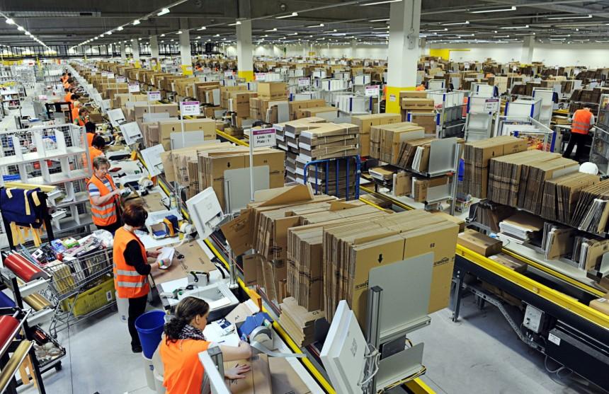 Bei Amazon: Effizienz ist hier alles (Bild: SZ)